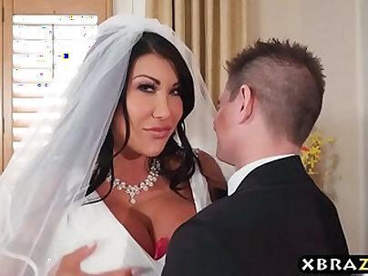 Busty SummerSitterspark Wedding Bimbo