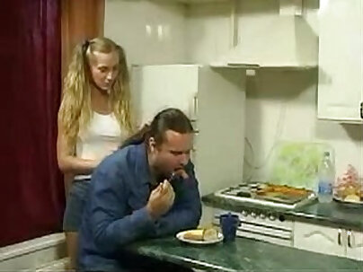 bosses daughter seduced me to fuck her in the kitchen