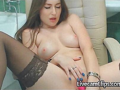 Beautiful Hot Girl Bathroom Live Cam