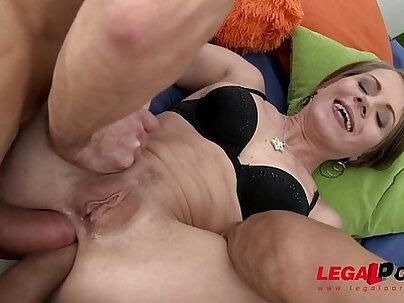 Big Booty slut Sasha Zima double anal for perfect round ass