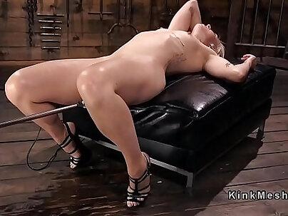 Blonde squirting orgasms on fucking machine