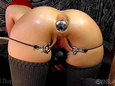 Ass Traffic Sharon is playing with her anal plug and gaping
