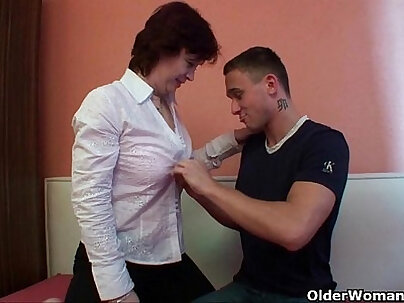 MOM Virgin experience analized pessy first Time fucked changing room superb slut