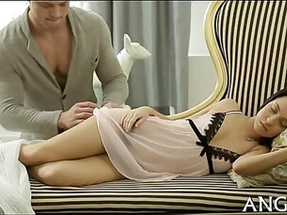 College Girl Licked & Fucked By Hung Friend
