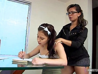 latinas lesbianas aprendiendo ingles