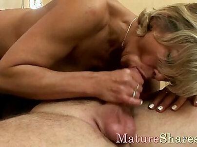 Buttfucked sexy mom screams