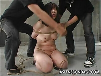 Crazy Japanese Chick Riko Nagase Gets Fucked by Foreign