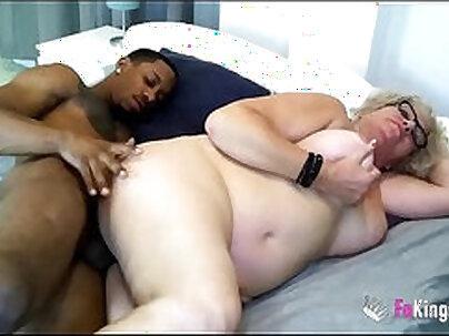 Desi Riley Fucks The Black Cock