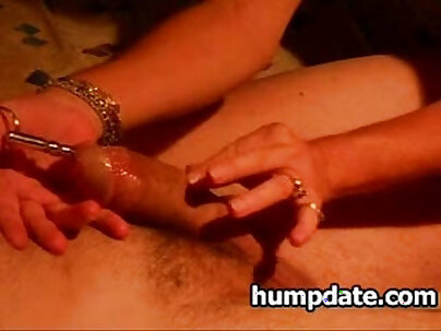 Wife gives Mike a handjob