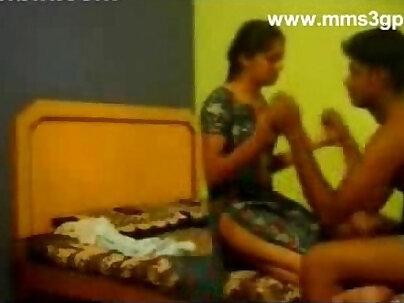 Boobalicious Pakistani gf fucks her BFs banana in bed
