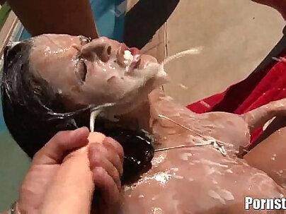 Facialized nympho gets her bukkake double toyed