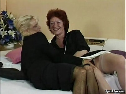 Lesbo Strapon Fucking Her Pussy! Beautiful Body!