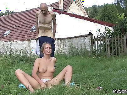 boso young bitch is getting her pussy eaten by stepdaughter