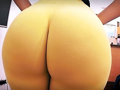 horny big ass amateur brunette cums hard